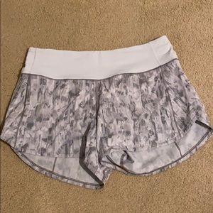 """NWOT Lululemon speed up 4"""" shorts"""